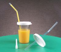 sip tip cup with lid and one-way straw