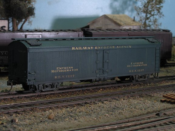 Custom finished HO scale freight cars!
